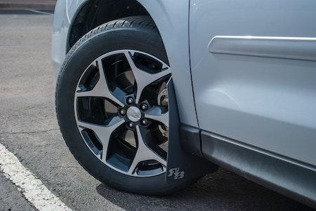 Subaru originalfälgar med stänkskydd