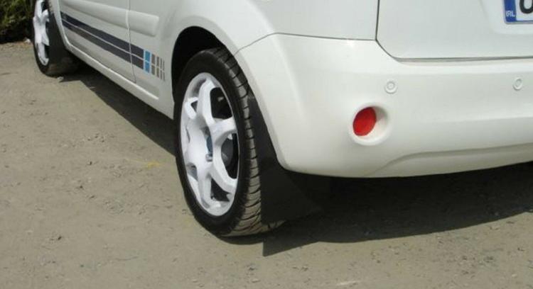Ford Fiesta MK6 Stänklappar  2002 - 2008