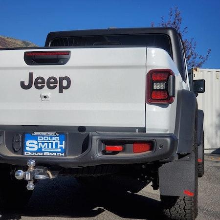 Jeep pickup med stänkskydd