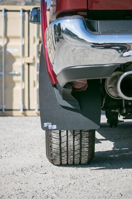 Stora stänkskydd till 2019 Dodge Ram 1500