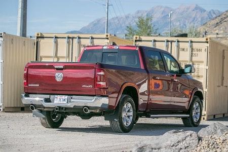 Snygga stänkskydd monterat på Dodge ram-1500