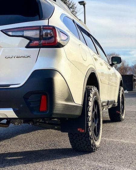 Subaru Outback 2020 med stänkskydd