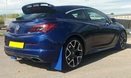Opel Astra OPC Stänkskydd