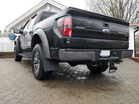 Ford Raptor med stora stänkskydd