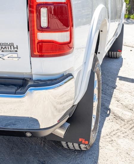 Dodge RAM 2500 / 3500 Stänkskydd  2019+