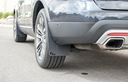 Tillbehör Ford Explorer: Modellanpassade stänkskydd.