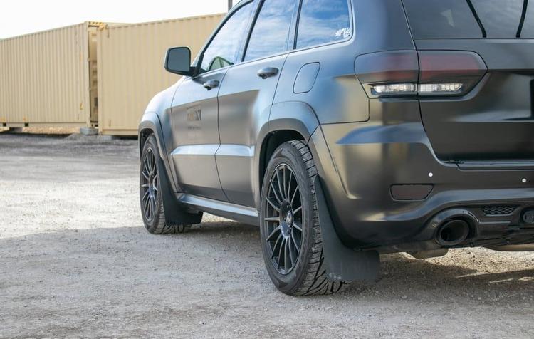 Jeep Cherokee SRT Stänkskydd