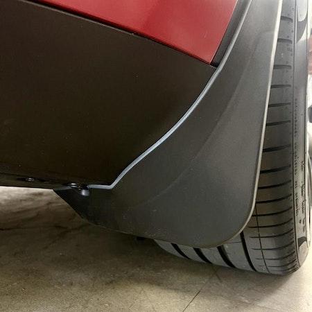 "Tesla model Y  ""Original-stänkskydd"""