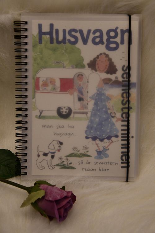 Anteckningsbok med olika tema