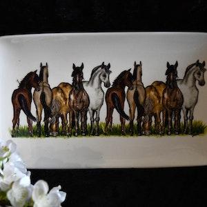 Assiett Häst