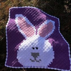 Handvirkad babyfilt med kanin, eget hantverk
