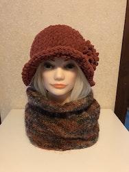 Sticka/virka hatt i Alize Puffy Fine öglegarn