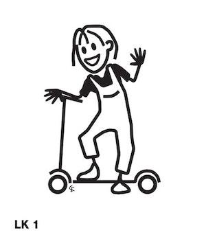 Flicka på sparkcykel