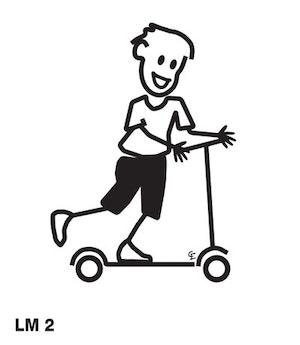 Pojke på sparkcykel