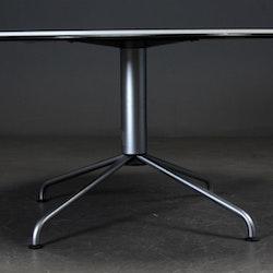 Tisch, Fritz Hansen Vico Magistretti - 130 cm