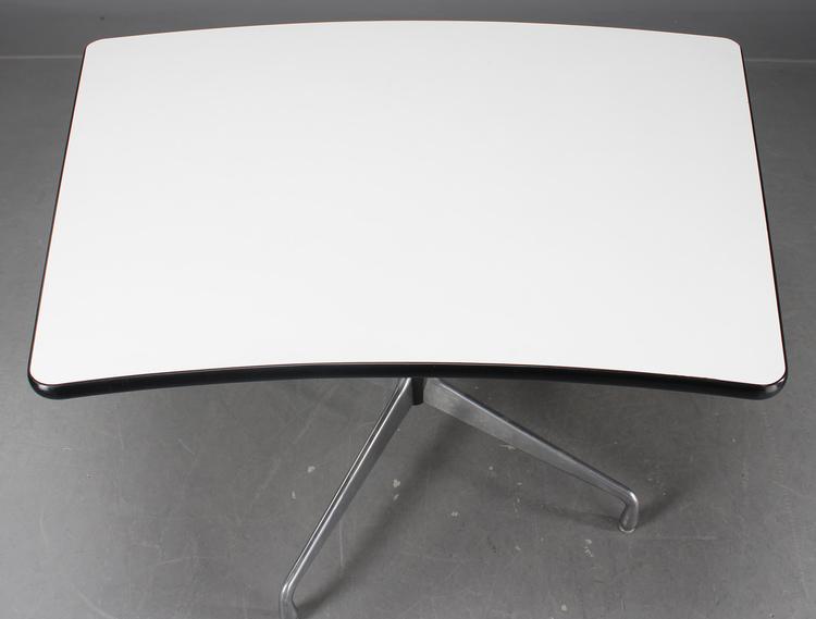 Vintage Herman Miller Tisch