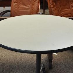 Vintage Herman Miller Tisch mit Rollen
