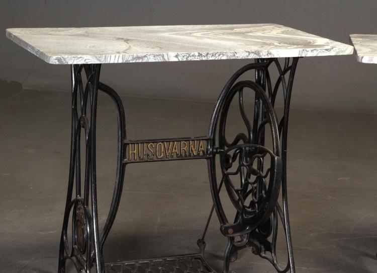 Vintage Nähmaschinentisch mit Marmorplatte - Husqvarna & Singer