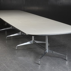 Tisch, Vitra Segmented Table 582 cm - Charles & Ray Eames