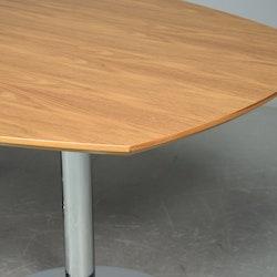 Konferenztisch von HOWE in Nussbaum - 200 x 120 cm