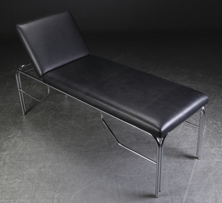 Untersuchungsbett aus schwarzem Leder mit verchromter Basis - 195 cm