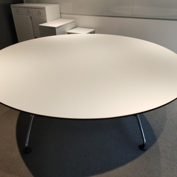 Runder zweiteiliger Konferenztisch mit schwarzer Kante - 180 cm