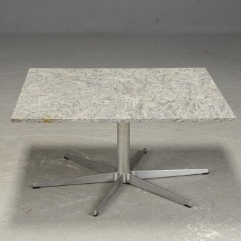 Vintage couchtisch mit Tischplatte aus Granit - Arne Jacobsen