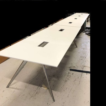 Konferenztisch, Fritz Hansen Model T-N  - 840 cm - Todd Bracher