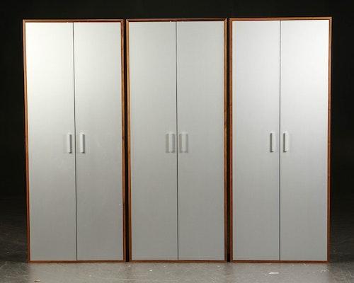 Kabinett, nussbaumschrank mit Aluminiumtüren