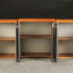 Kabinett, nussbaumschrank mit Aluminiumtüren - 80 cm
