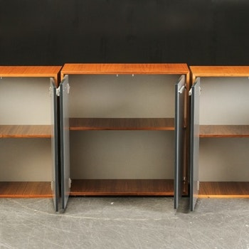 Kabinett, nussbaum schrank mit Aluminiumtüren - 80 cm