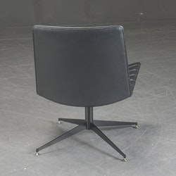 Drehbarer Loungesessel aus schwarzem Leder