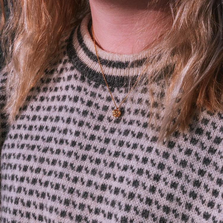 Hjortron halsband guld