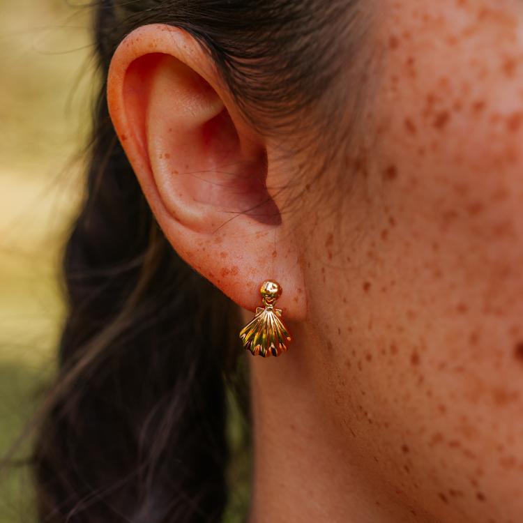Fjärran örhängen guld