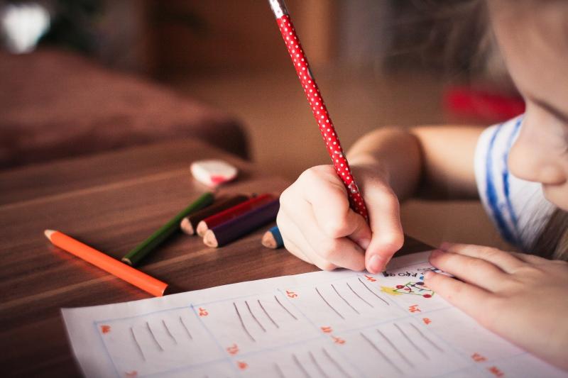 Hur tar man fram kreativiteten i sitt barn?