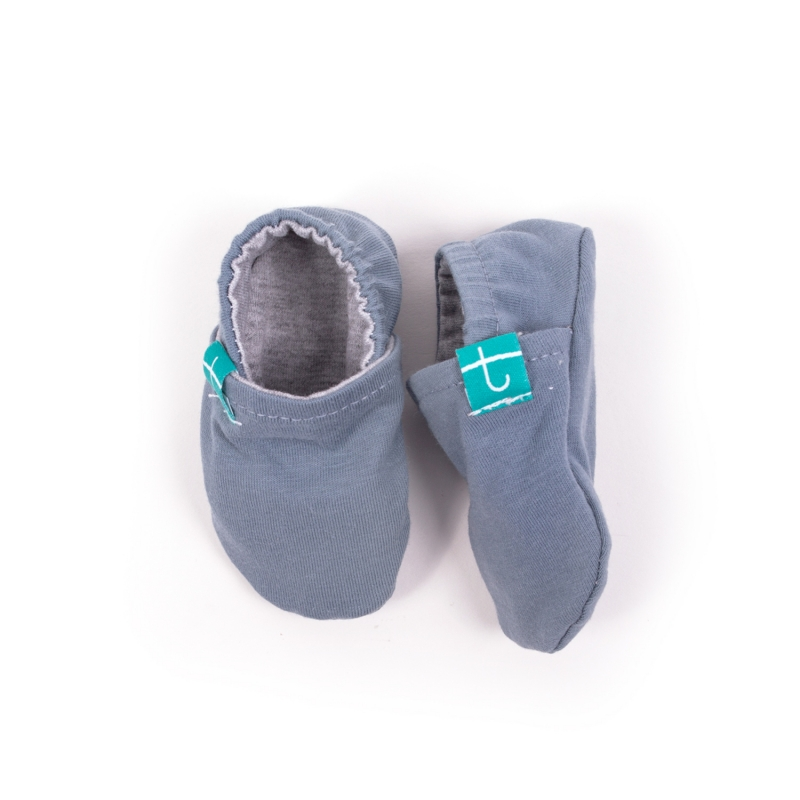 Mockasiner, barnets första skor i livet