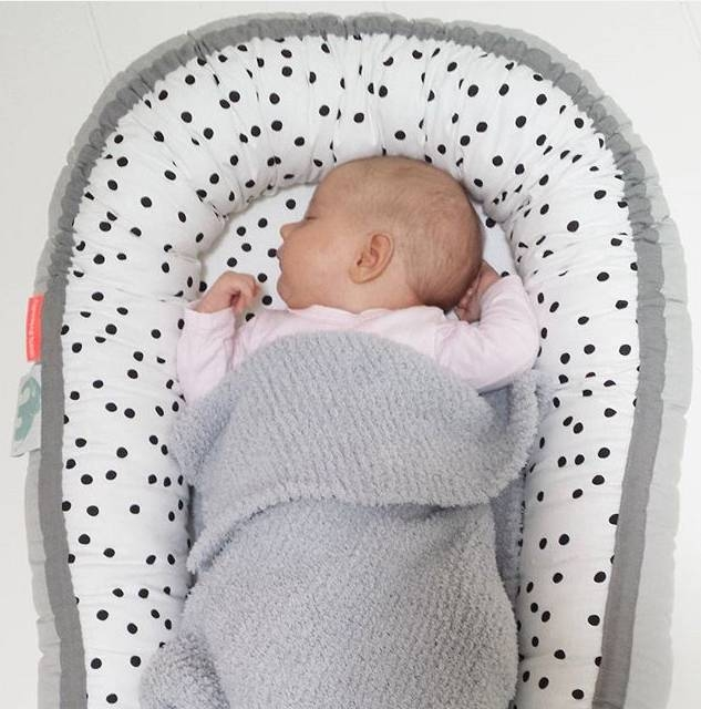Babynest/Cozy nest från Done By Deer