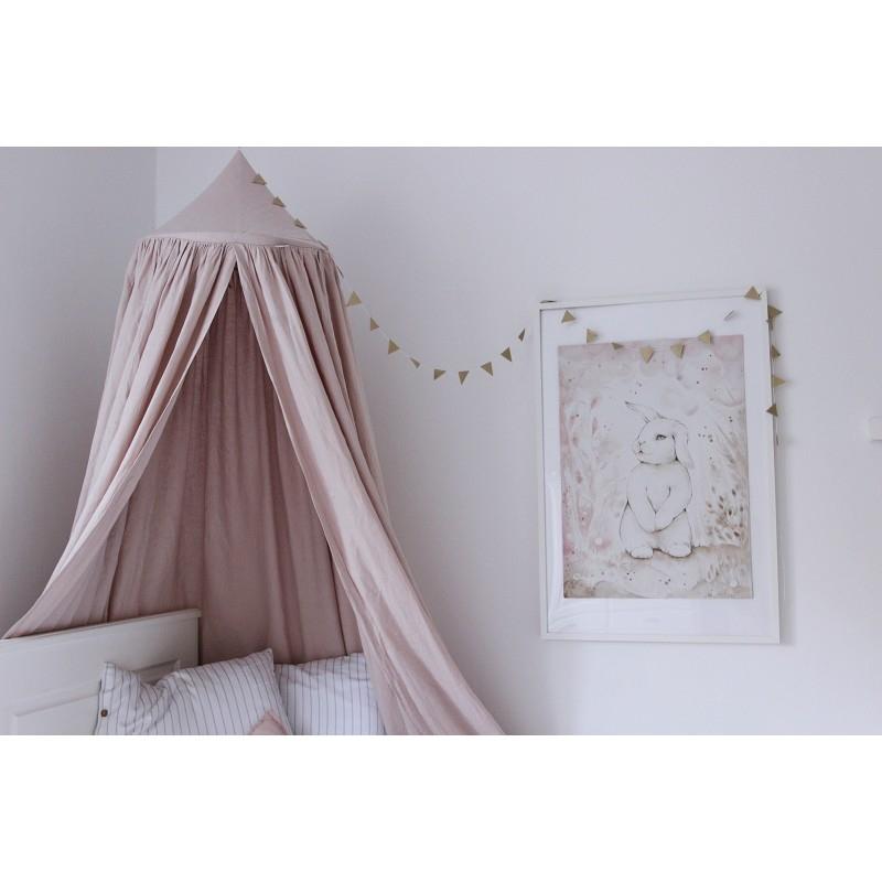 Sänghimmel i barnrummet, sagolikt vackert.