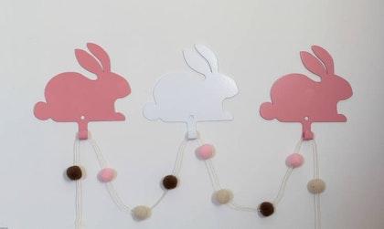 Vägghängare i metall för barnrummet, rosa Kanin