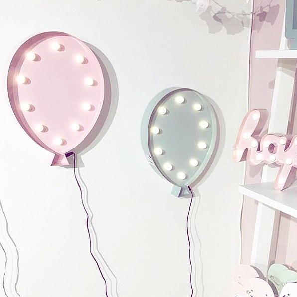FORM Living Vägglampa Ballong nattlampa, Rosa