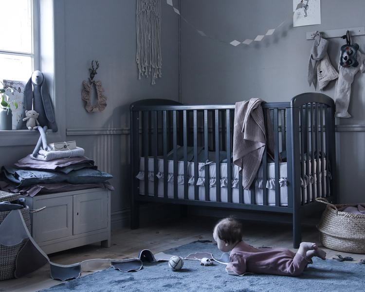 Ng Baby, Spjälskydd av linne med VOLANG, Puderrosa