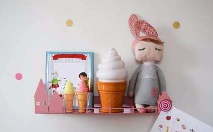 Hushylla i metall till barnrummet, rosa