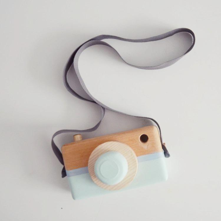 Leksakskamera av trä, mineral green + dusty blue