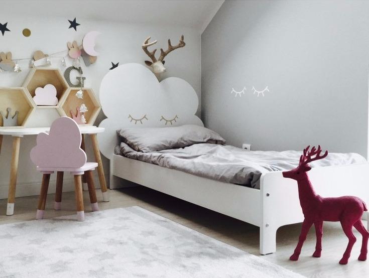 Molnsäng, juniornsäng  70 x 160 cm barnsäng med sängavel