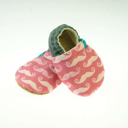 Mockasiner - tofflor för barn, pink mustache