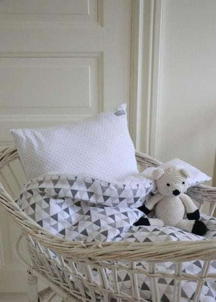 Barnsängkläder, Little Heart bäddsett spjälsäng grå confetti