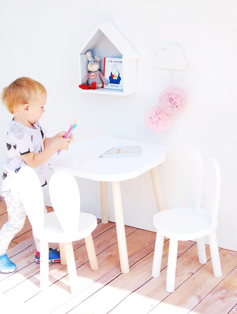 Köp set av två vita kaninstolar barnstolar för större barn