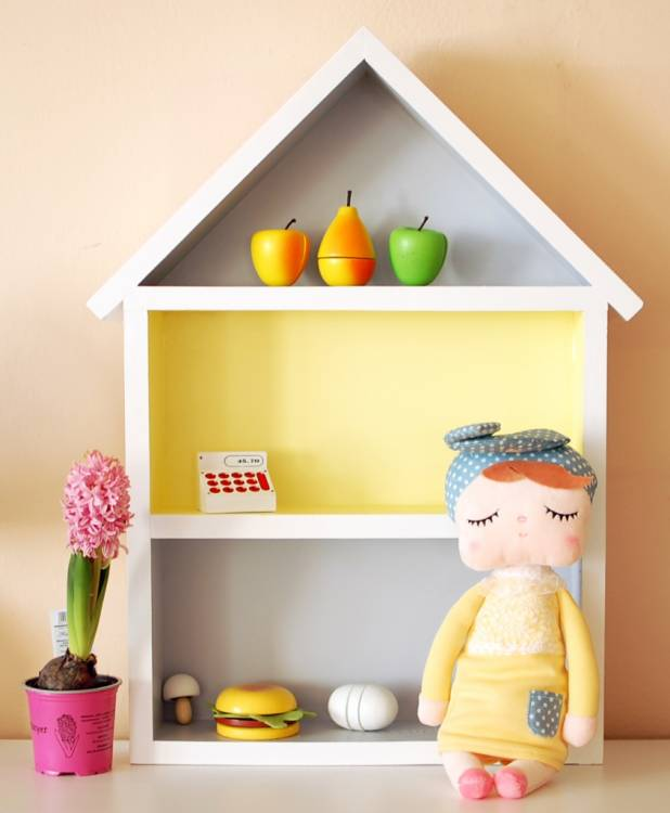 Hushylla grå&gul, XL grå och gul dockhus med kanindocka