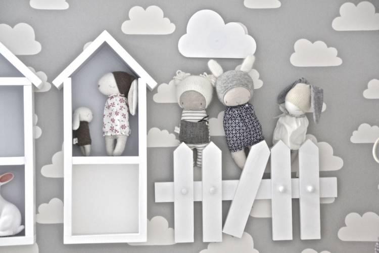 Vägghängare för barnrummet, staket vit Vägghängare staket med dockor
