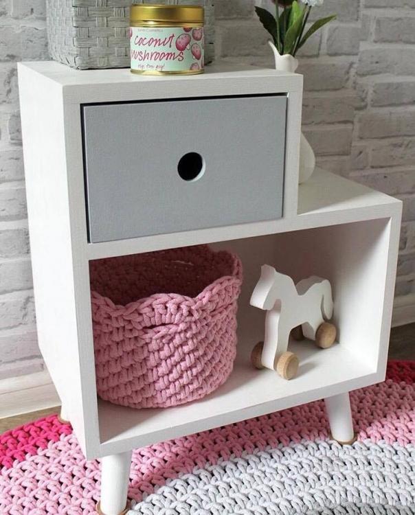 Sängbord till barnrummet - Kameleont grå sängbord till barnrummet